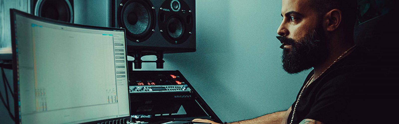 studio_bg